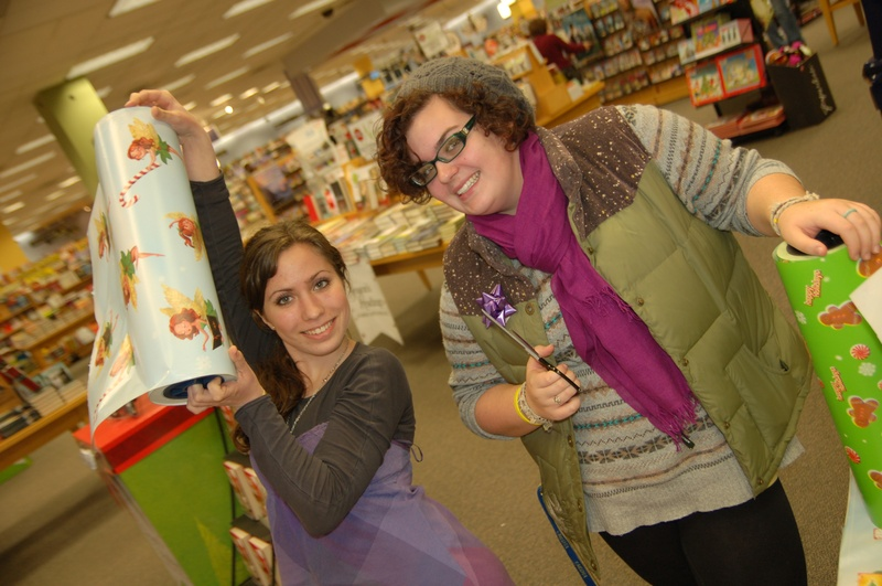 Holiday Bookwrapping at Borders